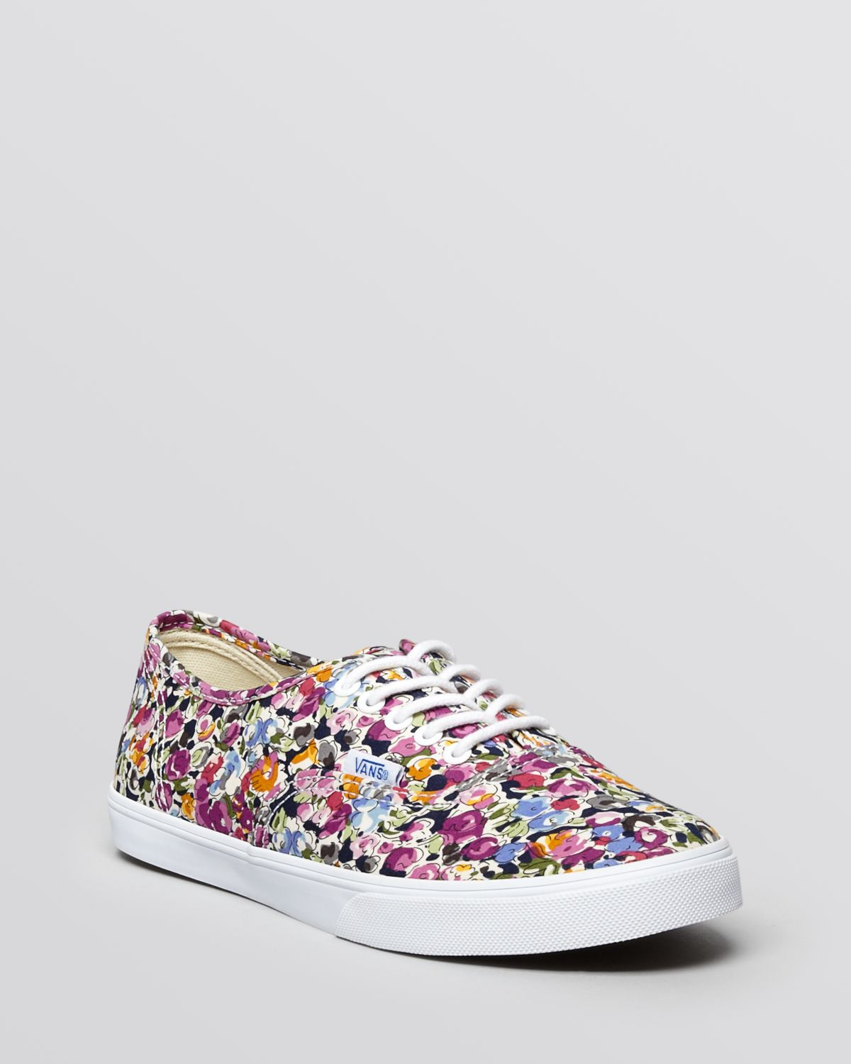 Lyst - Vans Lace Up Flat Sneakers Authentic Lo Pro Floral fd3d92547103