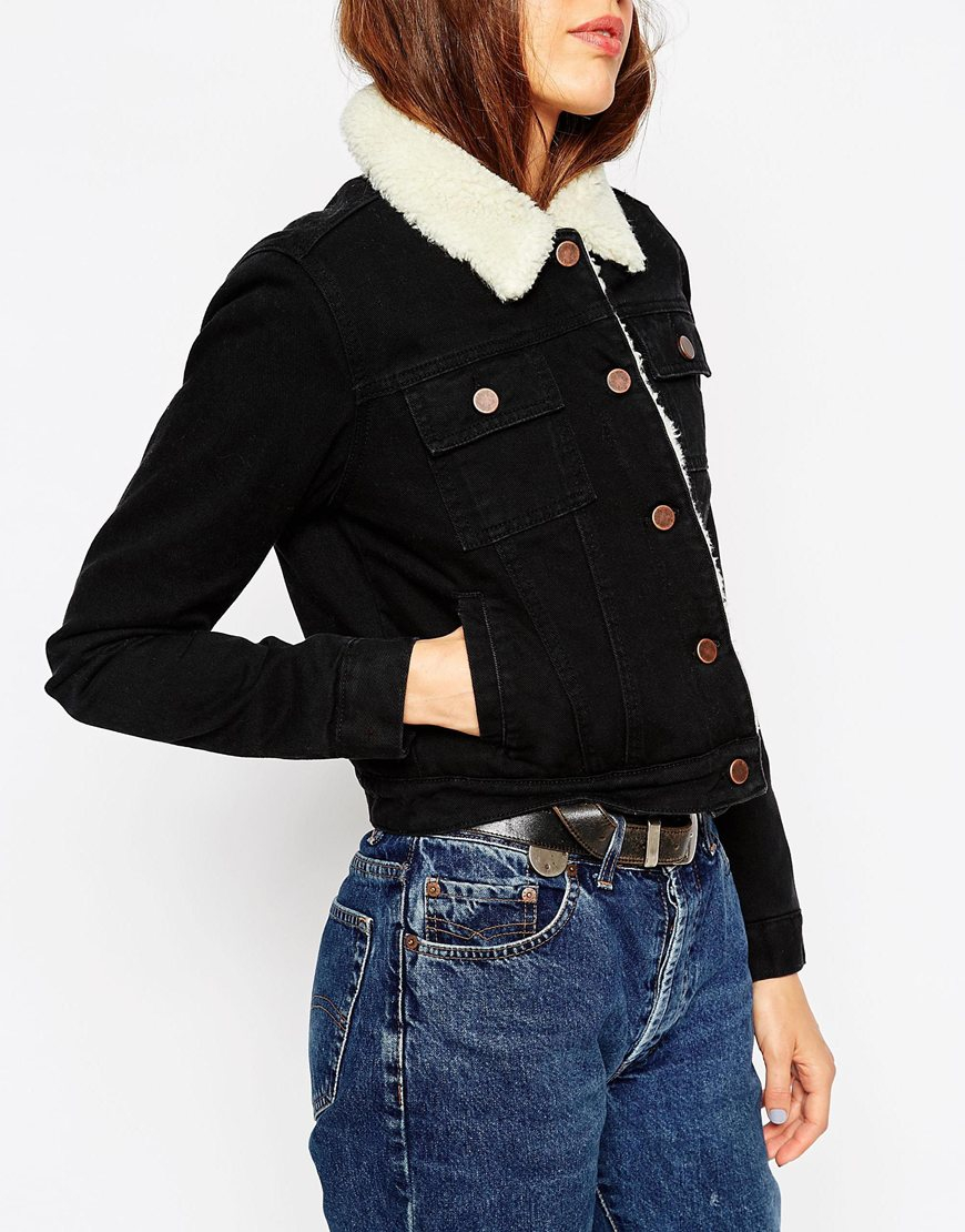 Asos Denim Cropped Jacket In Black With Borg Lining in Blue | Lyst