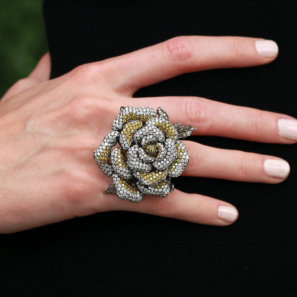 Lyst Wendy Yue Diamond Flower Ring In Yellow