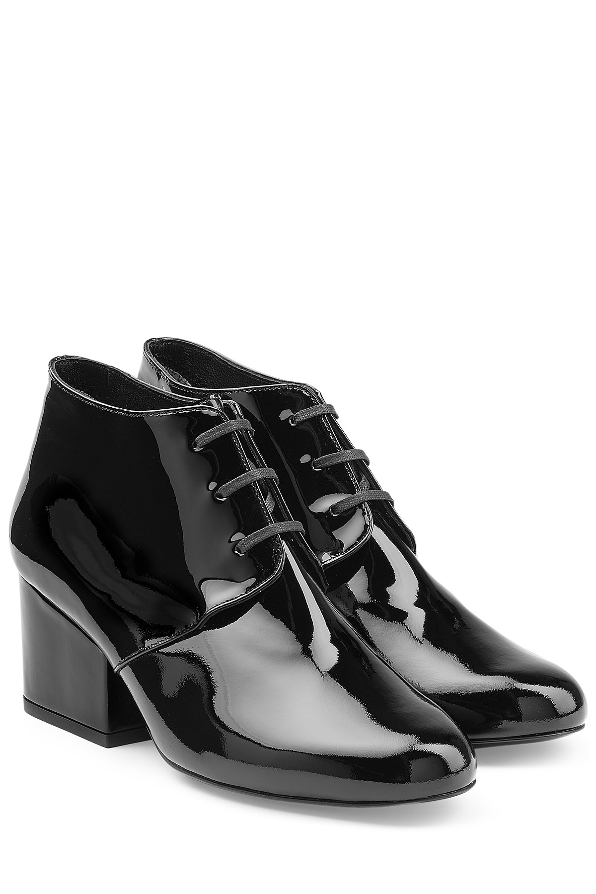 Robert Clergerie Patent Leather Lace Ups FR7gpgj2B