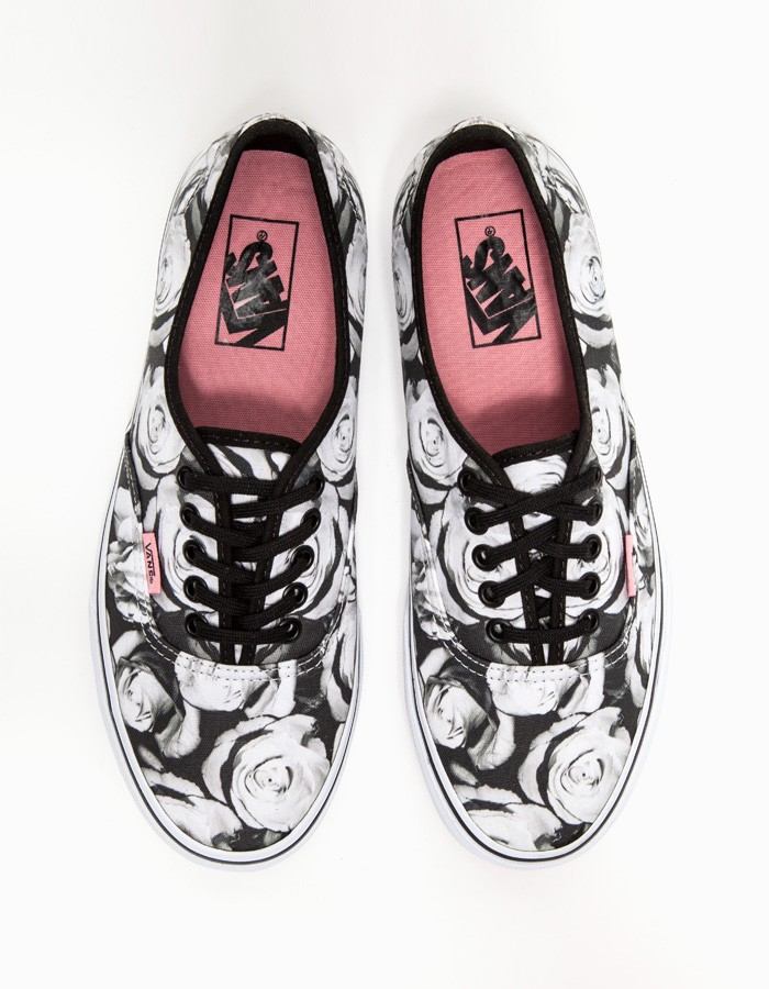 9b74e61534 Lyst - Vans Authentic in Digi Roses in Black