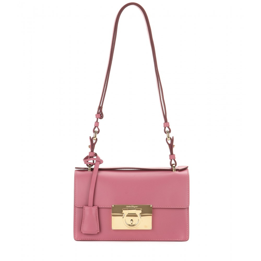 2625954fa4c5 Gallery. Previously sold at  Mytheresa · Women s Cross Body Bags ...