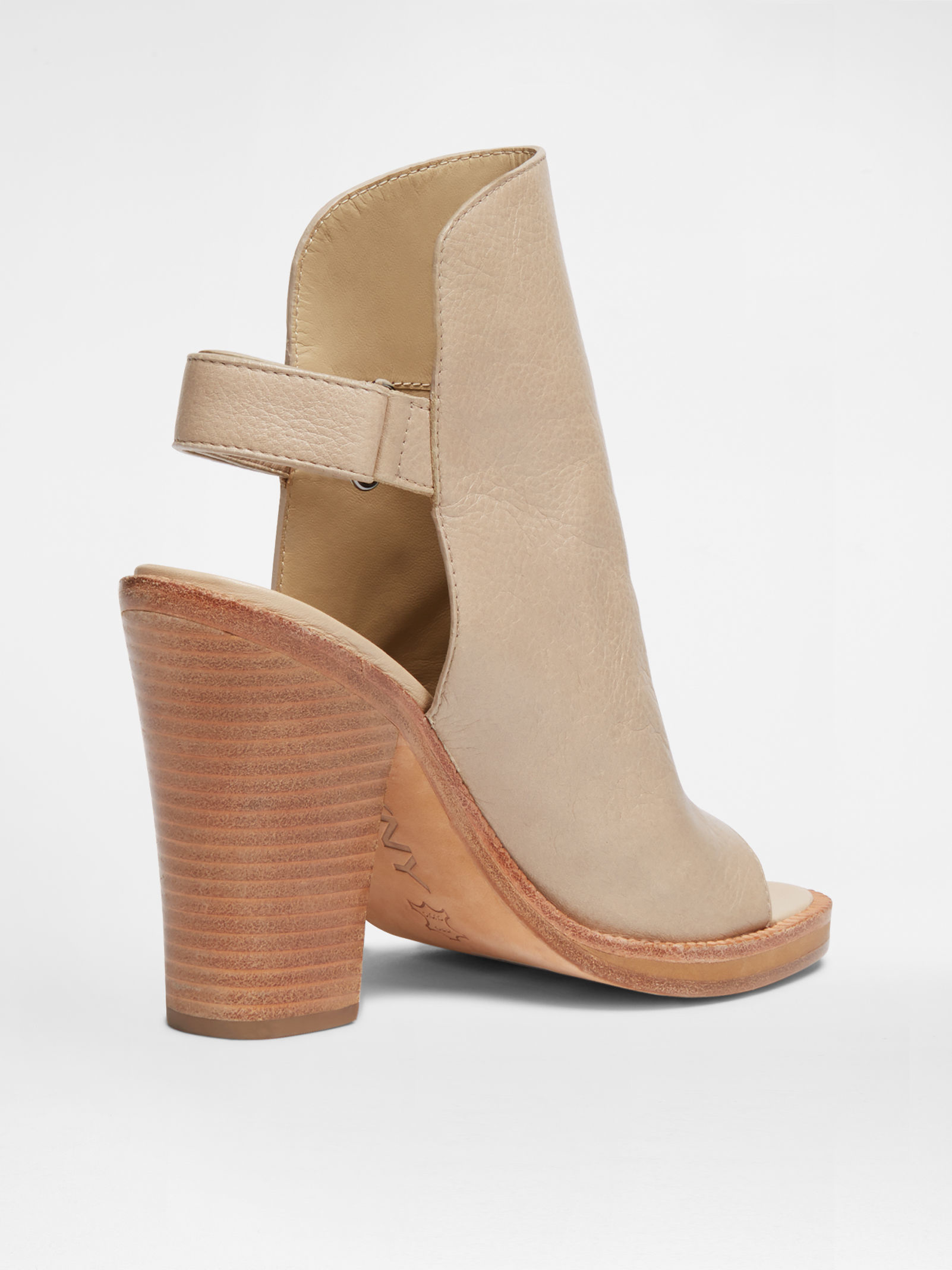 83ad5375dc52 Lyst - DKNY Whalen Welted Sandal in Natural