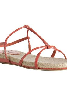 Miu Miu Coral Patent Leather Flat Sandals - Lyst
