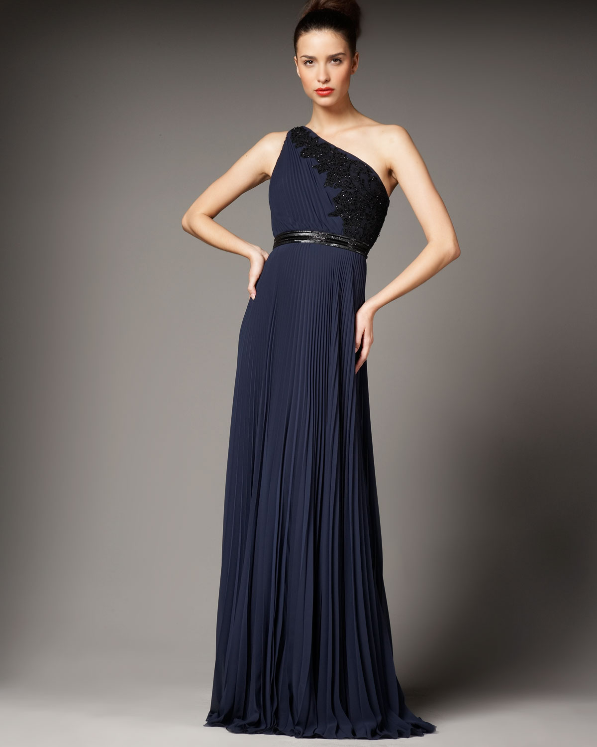 Lyst - Carmen Marc Valvo One-shoulder Lace-detail Gown in Blue