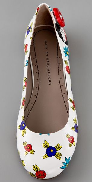 Marc By Marc Jacobs Miss Marc Flower Ballet Flats in White