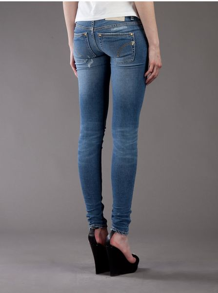 American Eagle Outfitters is America's favorite jeans brand for a reason. For over 40 years, AE has been driving the industry with high-quality, great fitting jeans made from durable denim.