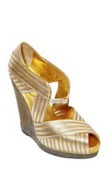 Saint Laurent Maggy Metallic Leather Wedges in Gold - Lyst