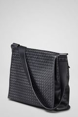 Bottega Veneta Nero Intrecciato Vn Messenger Bag - Lyst