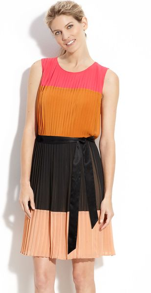 Dkny Colorblock Pleat Detail Dress in Multicolor (lipstick/ henna/ black)