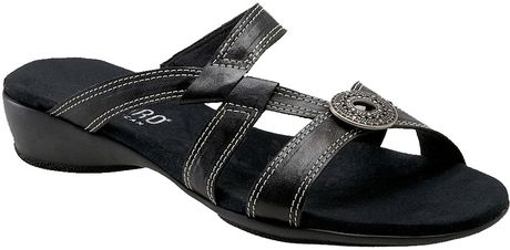 Munro Chloe Slide in Black - Lyst