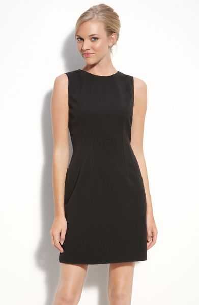 T Tahari Dakota Sheath Dress (petite) in Black - Lyst