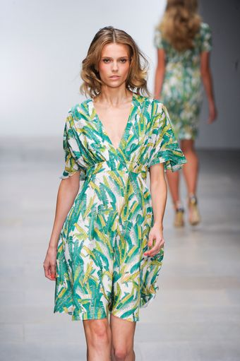 Issa Spring 2012 Short Sleeve V-Neck Dress With Green And Yellow Print - Lyst