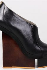 Finsk Black Fender Cutout Wedge Peep Toe in Black - Lyst