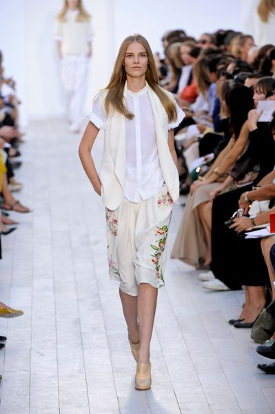 Chloé Spring 2012 White Sleeveless Formal Jacket in Beige - Lyst