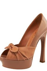 Yves Saint Laurent Knot-toe Platform Pump, Clay - Lyst