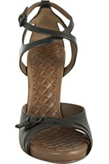 Bottega Veneta Black Leather Vachette Strappy Sandals in Black - Lyst