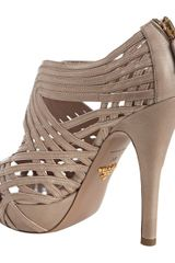Prada Powder Pink Strappy Leather Platform Sandals in Beige (powder) - Lyst