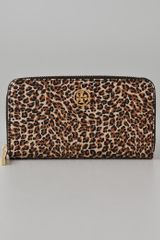 Tory Burch Robinson Zip Continental Wallet - Lyst