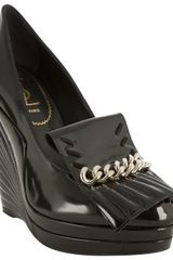 Saint Laurent Black Patent Leather Myranda 105 Chain Detail Wedges - Lyst