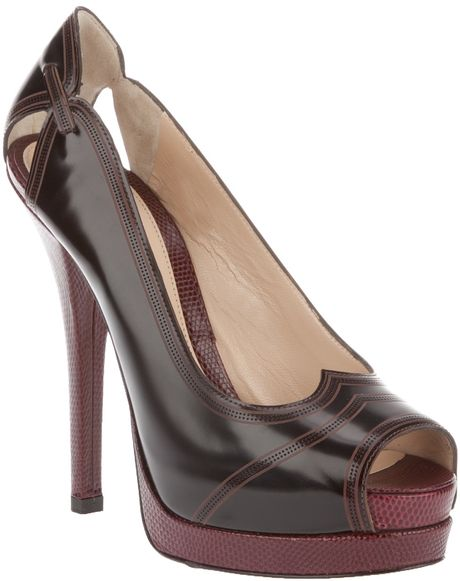 Fendi Leather Pump in Brown