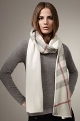 Burberry Solid-to-check Cashmere Scarf - Lyst