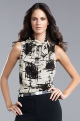 St. John Collection Graphic-print Sleeveless Blouse - Lyst
