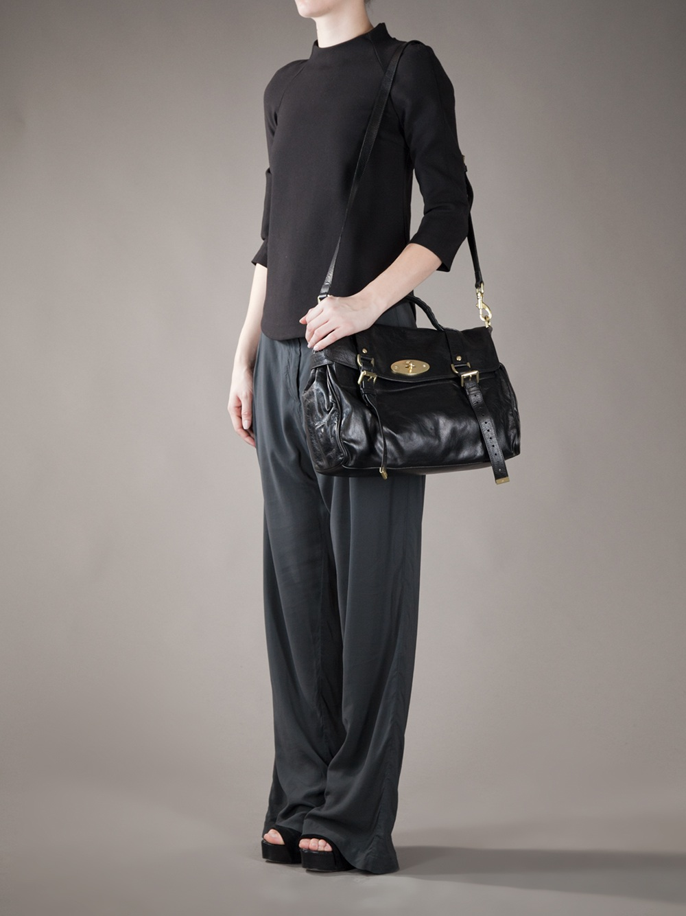... wholesale mulberry oversize alexa bag in black lyst 3963d 16d53 ... cb7f3cba3fdb3