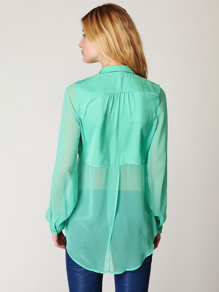 40389a49 Free People Sheer Buttondown Tunic in Green - Lyst