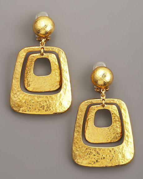 Jose & Maria Barrera Hammered Earrings in Gold - Lyst