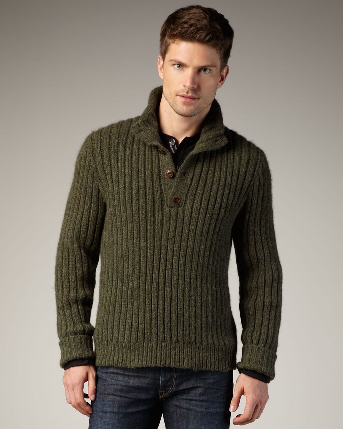 This warm knit sweater is made with soft Merino Wool and features rain-repellent reinforcement on the yoke and arms. It's built to last through years of use, with yarns highly twisted that resist piling. With its ventilating four-button placket on the nec/5(34).