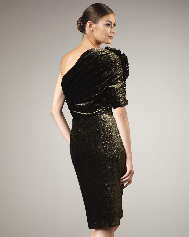Badgley mischka One-shoulder Velvet Cocktail Dress in Metallic - Lyst