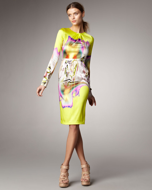 0c5cc8ed5548 Vera Wang Printed Satin Dress in Yellow - Lyst