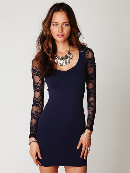 Free People Ginger Long Sleeve Lace Back Tunic in Blue (navy)