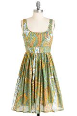 Modcloth Plays Well With Others Dress In Paisley in Green (yellow) - Lyst