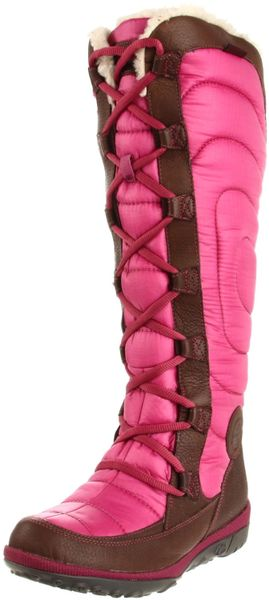 timberland mountain lace up boot in pink