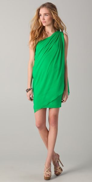 Alice + Olivia Draped One Shoulder Dress in Green - Lyst