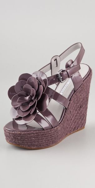 Vera Wang Penny Flower Wedge Espadrilles in Purple (prugna) - Lyst