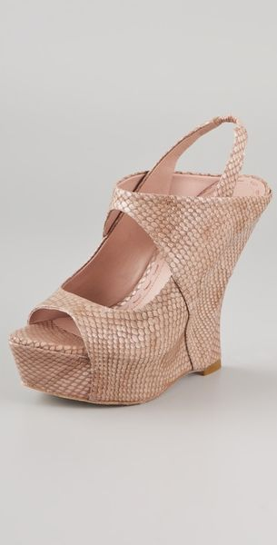 Alice + Olivia Delilah Snake Wedge Sandals in Pink - Lyst