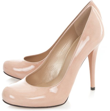 Stuart Weitzman For Scoop Hello Patent Leather Heels in Beige (natural) - Lyst