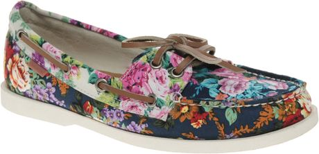 Aldo Aldo Chiou Floral Boat Shoes in Multicolor (navyfloral)