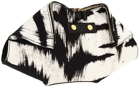 Alexander Mcqueen Demanta Clutch in Black (b) - Lyst