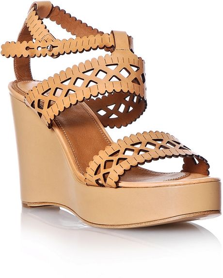 Chloé Lasercut Leather Wedge Shoes in Beige (camel) - Lyst