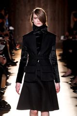 Roland Mouret Fall 2012 Long Sleeve Fur Black Top with Oversized Jabot-Like Black Collar - Lyst