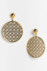 Tory Burch Logo Cutout Drop Earrings - Lyst