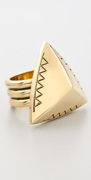 House Of Harlow Engraved Faceted Pyramid Cocktail Ring in Gold - Lyst