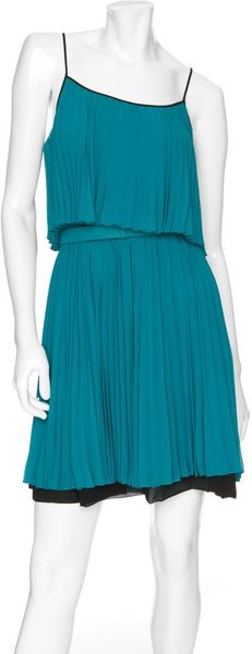 Halston Heritage Tiered Pleated Dress with Belt in Blue (teal) - Lyst