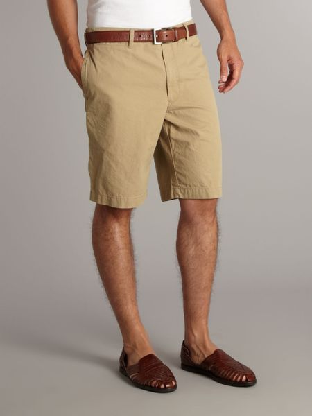 Browse the complete line of men's shorts at Dockers® and find your pair of cargo, chino or khaki shorts for a classic or a modern look that fits your style.