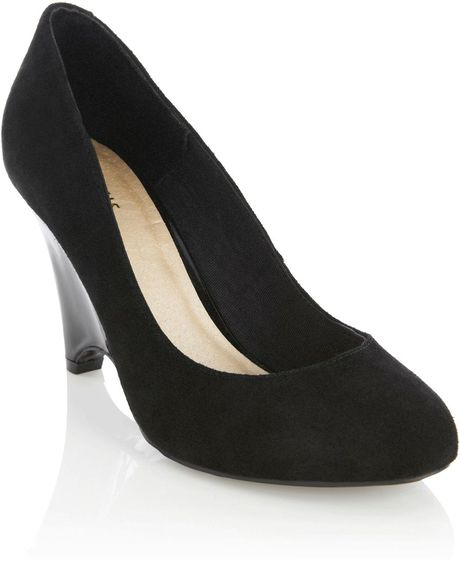 oasis closed toe wedge court in black lyst