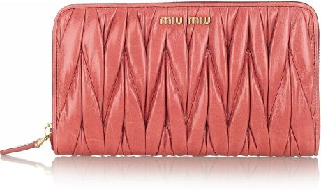 Miu Miu Matelassé Leather Wallet in Pink (rose) - Lyst